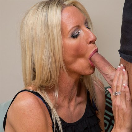 Hot milf loves anal creampies 4